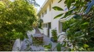 Terrasse coté Cuisine - Villa d'Architecte à Vendre
