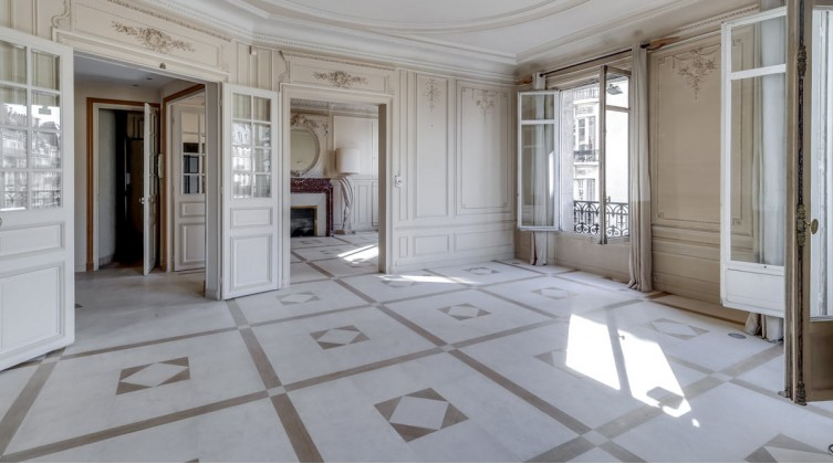 Luxury apartment in St-Germain-des-Pres