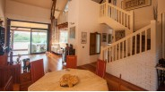 Orgeval : vue d'ensemble mezzanine maison d'architecte