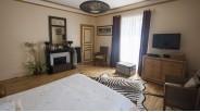 Chambre principale maison de maître XVIIème à Montargis