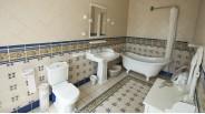 Salle-de-bain rétro maison de maître XVIIème à Montargis