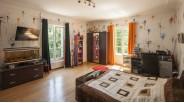 Grande chambre double exposition maison de maître à Montargis