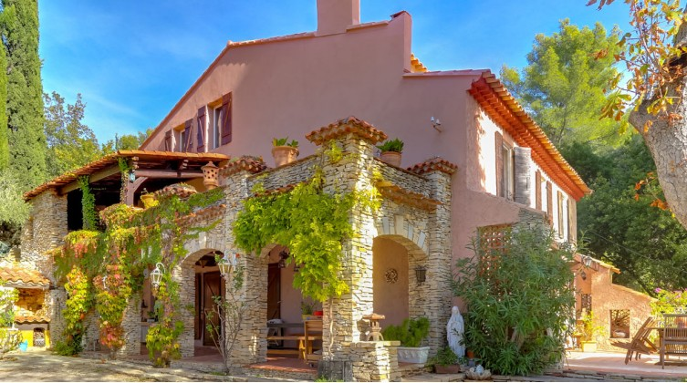 Charming Provencal house in Gémenos