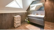 Salle d'Eau Mansardée Maison Contemporaine de luxe à vendre St-Brice-sous-Forêt