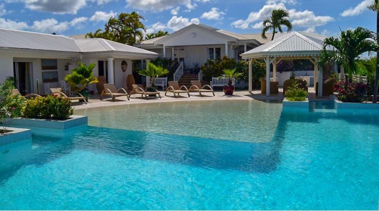 Sumptuous 400 sqm Caribbean Property in St. Maarten Island